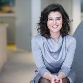 Simona Mullai, tjänstledig